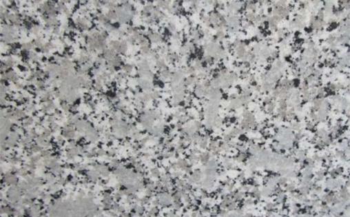 Mẫu đá tạo cảm giác rộng rãi cho không gian bếp