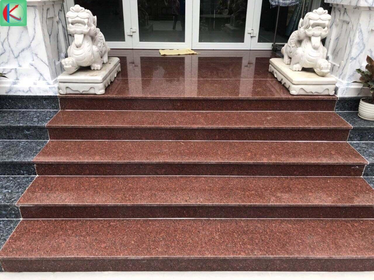 Đá hoa cương đỏ Bình Định ốp lát bậc thềm